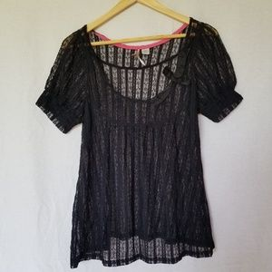 RIC RAC ANTHROPOLOGIE LACE BLACK TOP SIZE SMALL